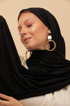 light black scarf